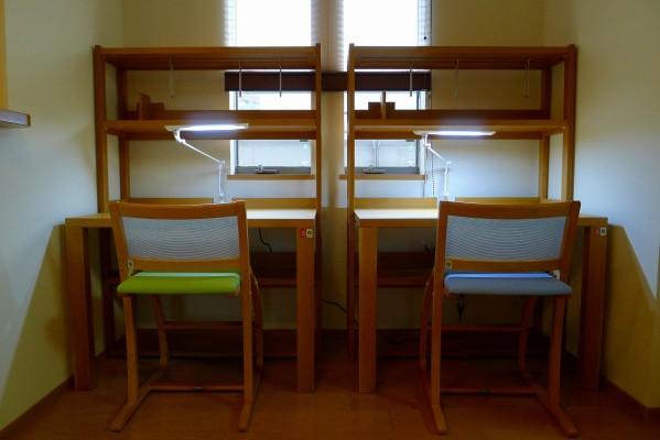 堺市のO様にkarimoku学習机をお届けいたしました。