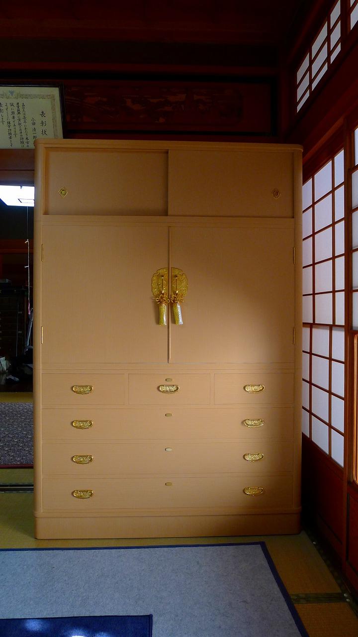 堺のO様に洗い替えた総桐たんすをお持ちいたしました。