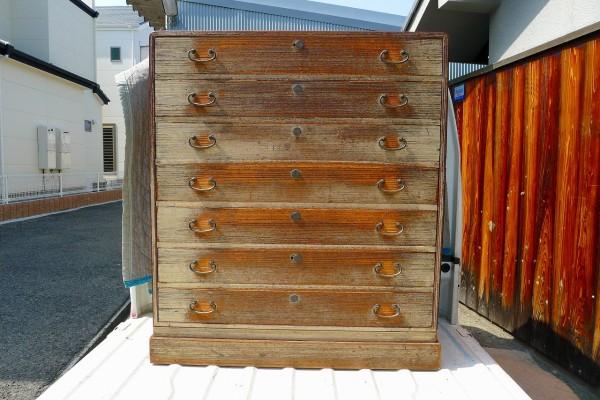 豊中市のK様の依頼の桐箪笥洗い修理の納品事例です。