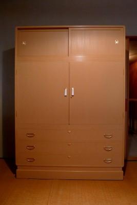 松山家具の桐たんすの洗い替え修理を、お届け致しました。