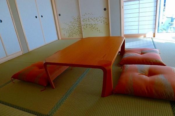 天童木工座卓 S-0228KY-STと和室