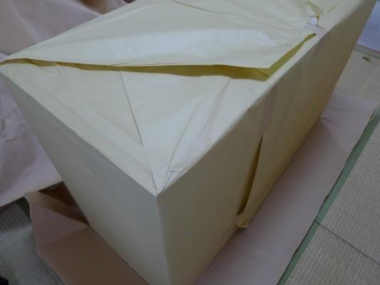 大阪泉州桐箪笥 すみれ型別誂え桐箪笥の内包装紙