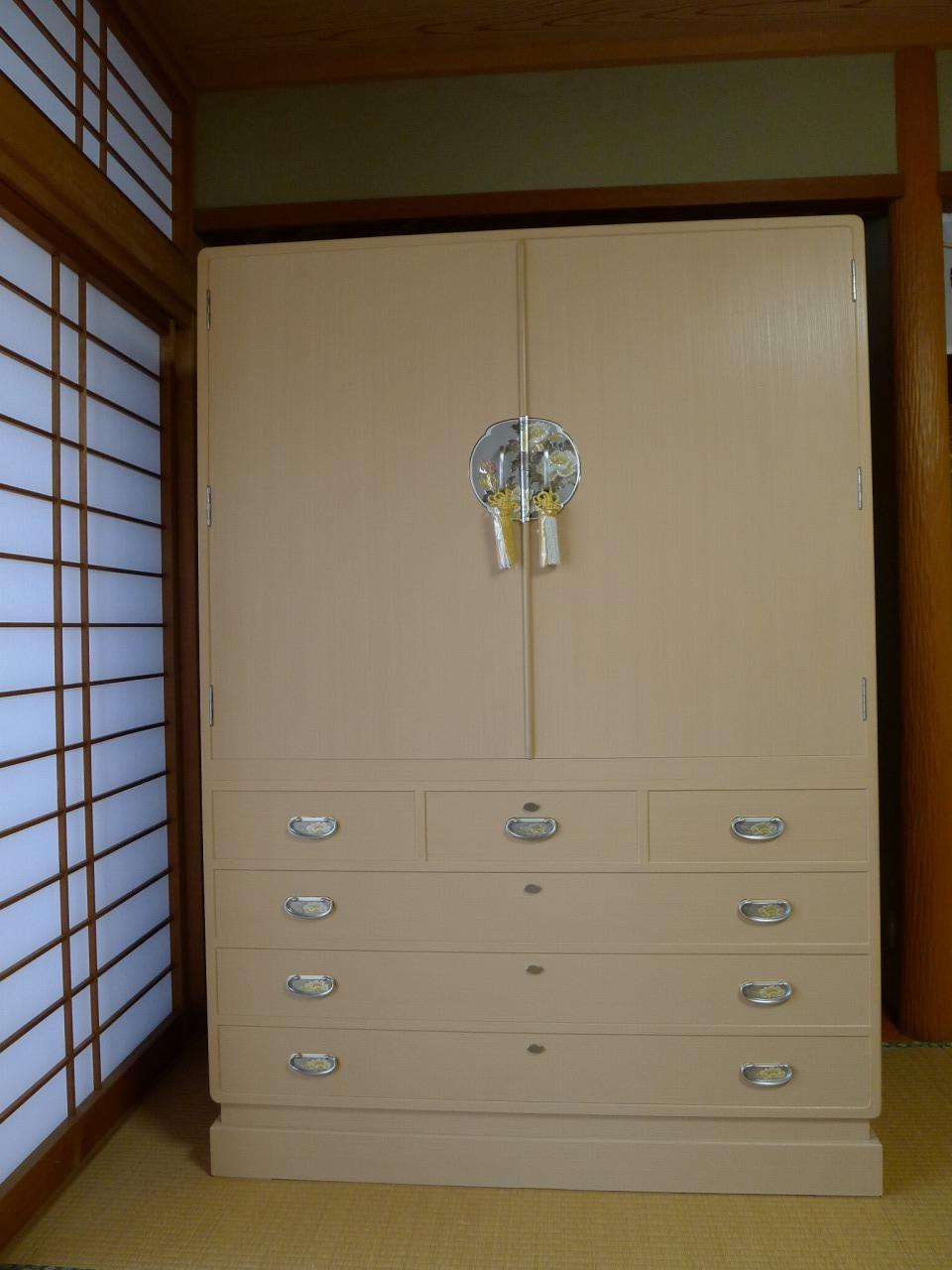 泉佐野市のK様に初音のオリジナル総桐たんす 総桐天地丸開板盆箪笥をお届けいたしました。