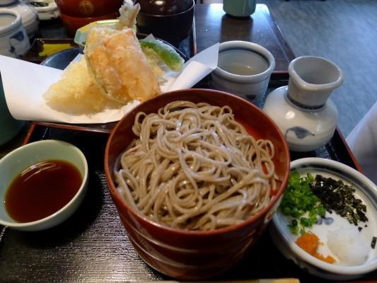 出雲の献上そば 羽根屋の天ぷら割子3段定食