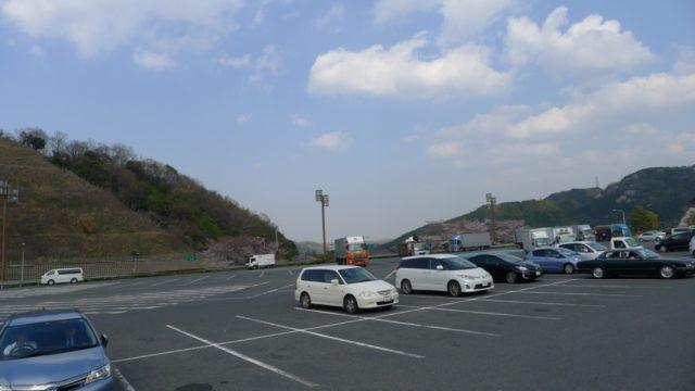 阪和自動車道下り岸和田サービスエリアの駐車スペース