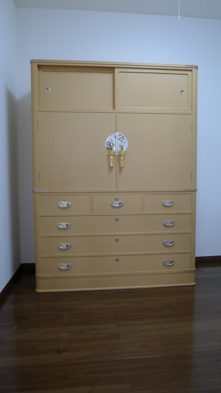 大阪泉州桐箪笥 胴丸型総桐箪笥 2