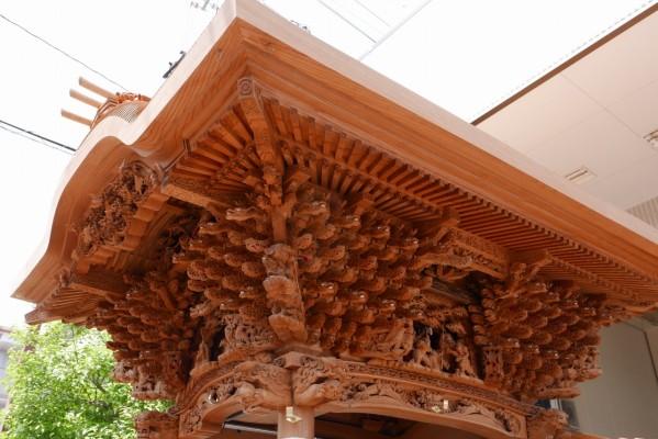 春木旭町だんじりの右面大屋根彫り物