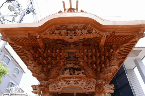 春木旭町だんじりの大屋根彫り物