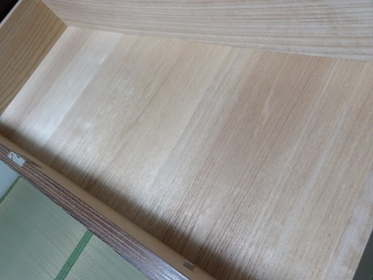 大阪泉州桐箪笥 焼桐天丸小袖箪笥の美しい桐材