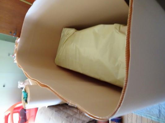 大阪泉州桐箪笥 鉄線蒔絵入り2本揃え和箪笥の包装