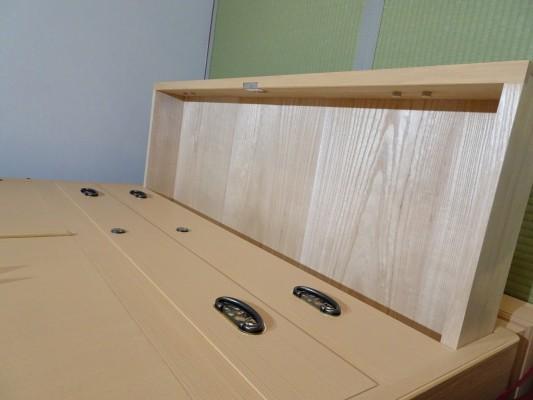 大阪泉州桐箪笥 胴厚一寸天地丸衣装箪笥の引出し内部の桐3