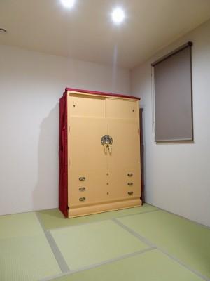 大阪泉州桐箪笥 胴厚一寸天地丸衣装箪笥のエンジの油単5