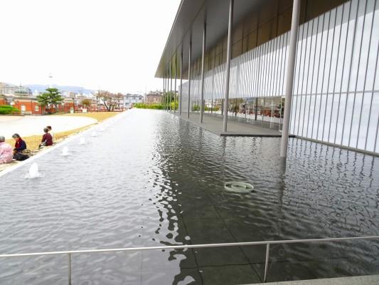 京都国立博物館 の新館から見た中庭