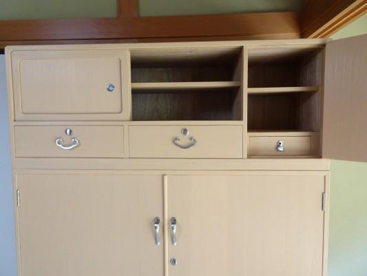 初音家具 こだわりの桐箪笥洗い 三つ重ねの桐衣装箪笥 洗い後 上段