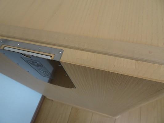 大阪泉州桐箪笥の最高級 総桐胴丸総無垢衣装箪笥の組手