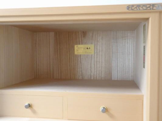 大阪泉州桐箪笥の最高級 総桐胴丸総無垢衣装箪笥の引き内部