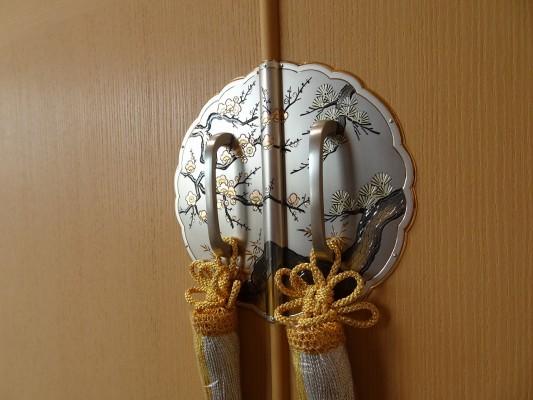 大阪泉州桐箪笥の最高級 総桐胴丸総無垢衣装箪笥手彫り金具