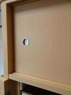 大阪泉州桐箪笥の最高級 総桐胴丸総無垢衣装箪笥の無垢引戸