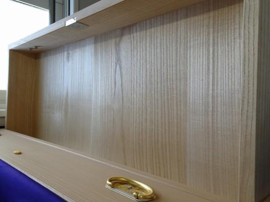 大阪泉州桐箪笥 総桐小袖衣装箪笥の良質光沢ある桐材
