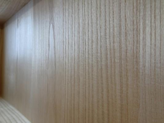 大阪泉州桐箪笥 総桐小袖衣装箪笥の良質光沢ある桐材2