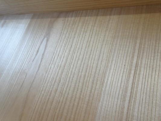 大阪泉州桐箪笥 総桐小袖衣装箪笥の良質光沢ある桐材3