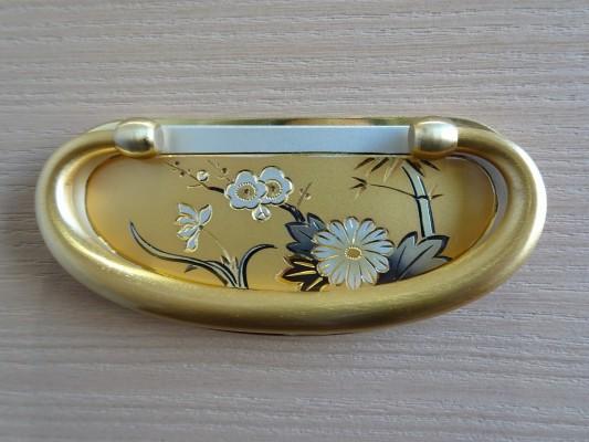 大阪泉州桐箪笥 総桐小袖衣装箪笥の手打ち金具
