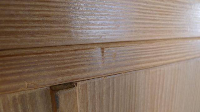 桐の松山製の総桐三つ重ね衣装箪笥の洗い前 傷アップ