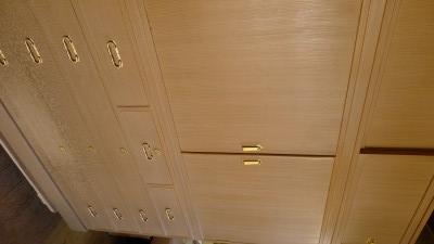 桐の松山製の総桐三つ重ね衣装箪笥の洗い前