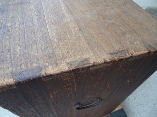 桐たんすの洗い前の手許箪笥の天板