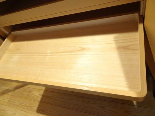 大阪泉州桐箪笥 焼桐衣装箪笥のお盆底板