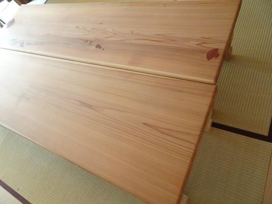 こだわりの杉無垢材の2枚の座卓