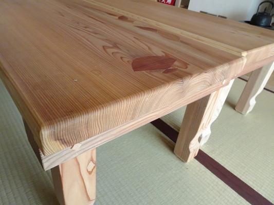こだわりの杉無垢材の座卓