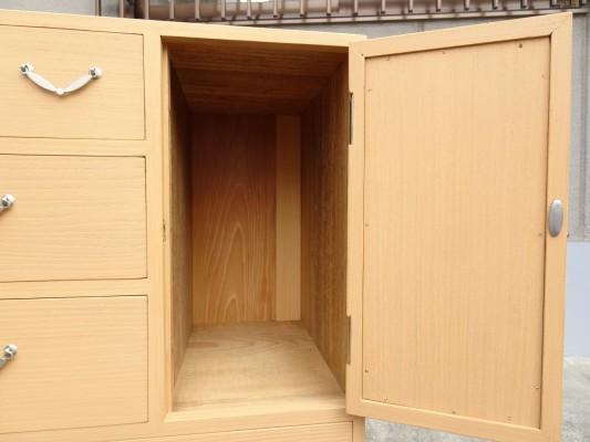桐たんすの洗い修理した後の手許箪笥の戸びら裏