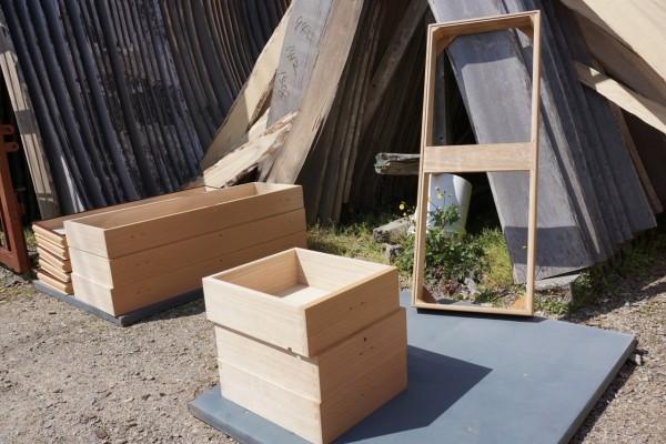 大阪泉州桐箪笥 初音の桐たんすの工房 桐箪笥の洗い作業 4