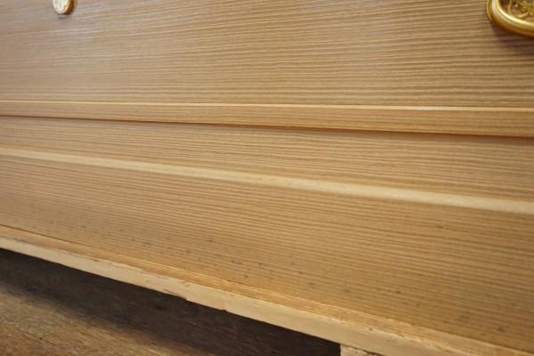 桐たんすの台のカビ