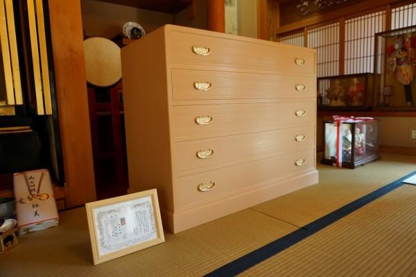 大阪泉州桐たんす天丸5段引出し箪笥斜め写真