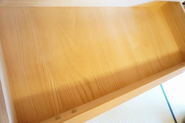大阪泉州桐たんす天丸5段引出し内部の桐材