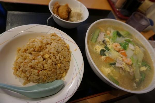 西宮の中華料理店 龍あんの五目中華麺のセット