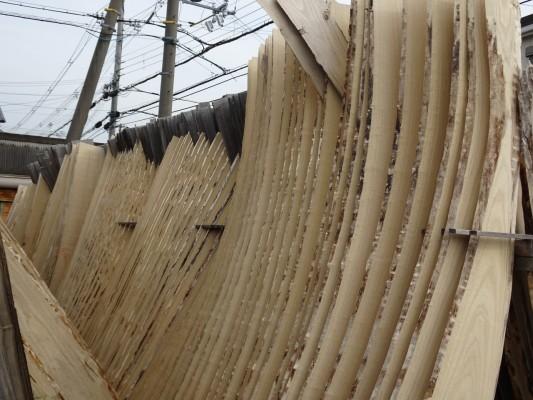 大阪泉州桐箪笥 田中家具製作所の工房の新しい桐材