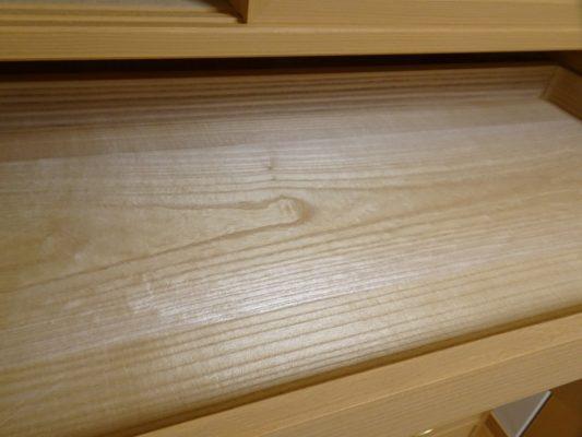 大阪泉州桐箪笥天丸3.8幅衣装箪笥の盆の良質な光沢のある桐材