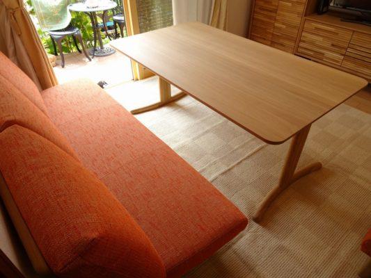 カリモク 品番:テレビボード QT5017ME-J、キャビネット QT2515E000、テーブル DT8811E564、三人掛け椅子 CD5903E524