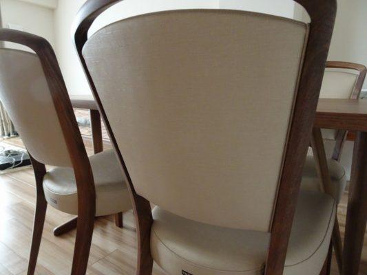 カリモク品番:ダイニングテーブル DU5835R000、ダイニングチェアー CT8365R564