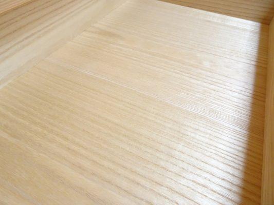 大阪泉州桐箪笥の総桐小袖たんすの光沢ある日本の美しい桐材