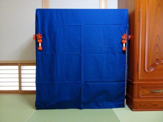 大阪泉州桐箪笥の総桐小袖たんすの紺色朱房付き油単