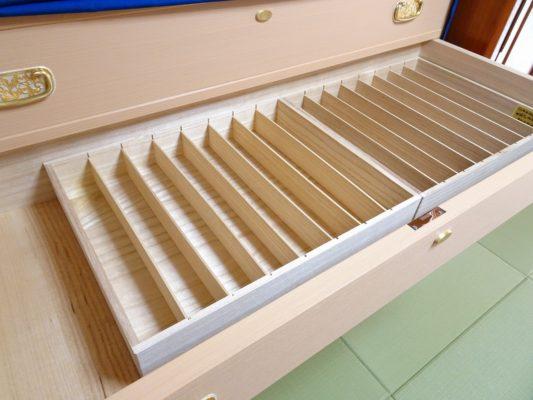 大阪泉州桐箪笥の総桐小袖たんすの引出しの帯締め箱