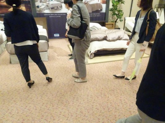 こだわり桐箪笥の社長ブログ シモンズ2016新作展に伺いました。