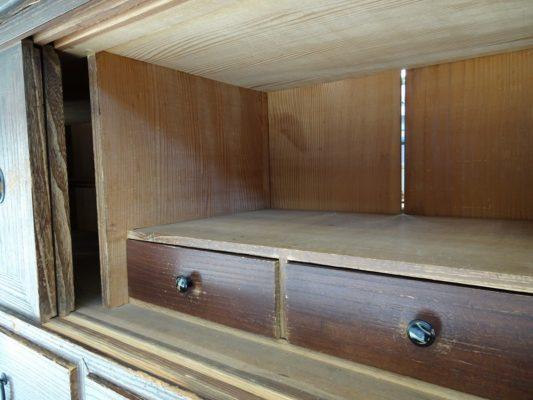 こだわりの桐箪笥の社長ブログ 桐箪笥の洗い替えの納品事例の紹介は本当に時間のかかる作業なのです。