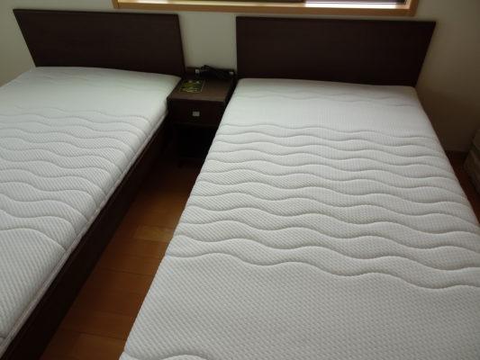 カリモク ベッド