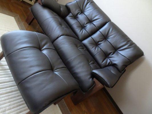 貝塚市のE様に カリモク家具 ソファー ZU4912K353 をお届けいたしました。