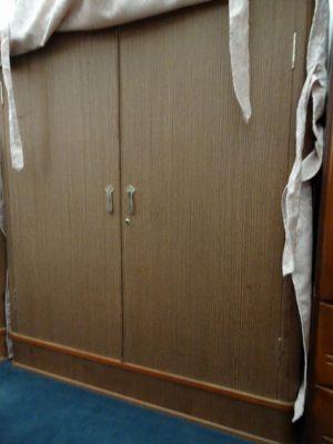 松山の桐たんす  胴丸小袖衣装たんす